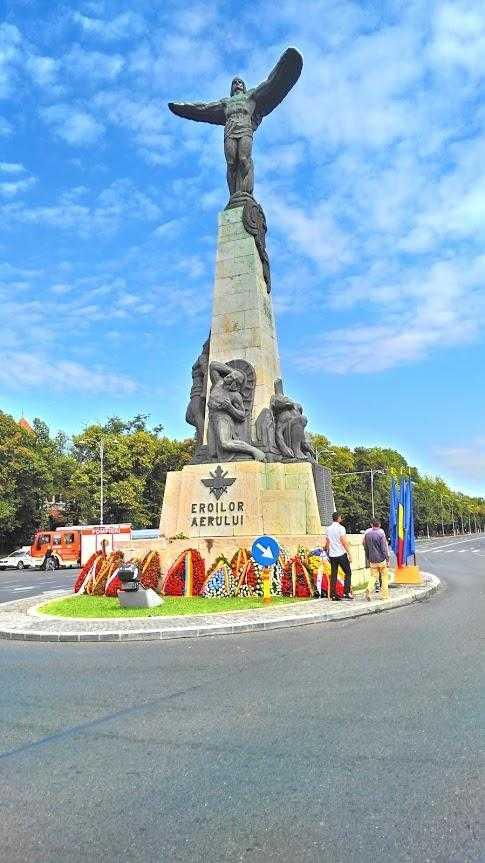 statuia-aviatorilor-ziua-aviatiei-20-iulie-2016