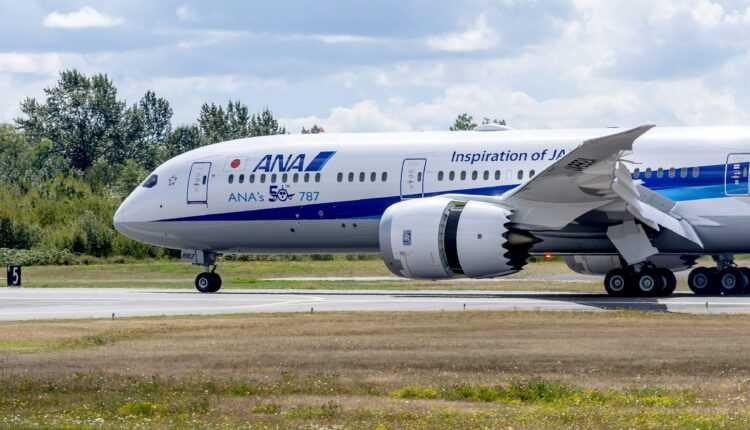 A fost livrată a 50-a aeronavă Boeing 787 Dreamliner către ANA