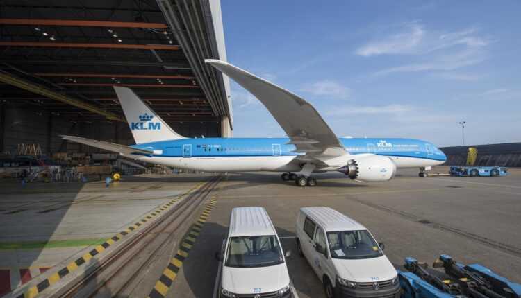 Dublă livrare pentru KLM: al 7-lea Boeing 787 Dreamliner și al 3-lea Embraer 175