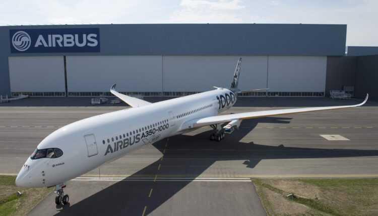 """Al doilea Airbus A350-1000, vopsit în livery """"carbon"""""""