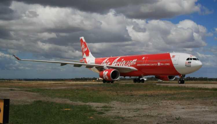 AirAsia X va relua zborurile spre Europa, din 2018