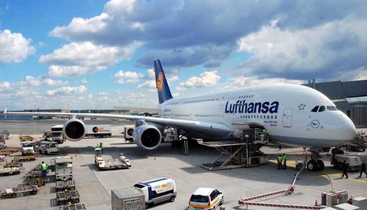 Pe 16 octombrie 2016, Airbus A380 Lufthansa la Sofia