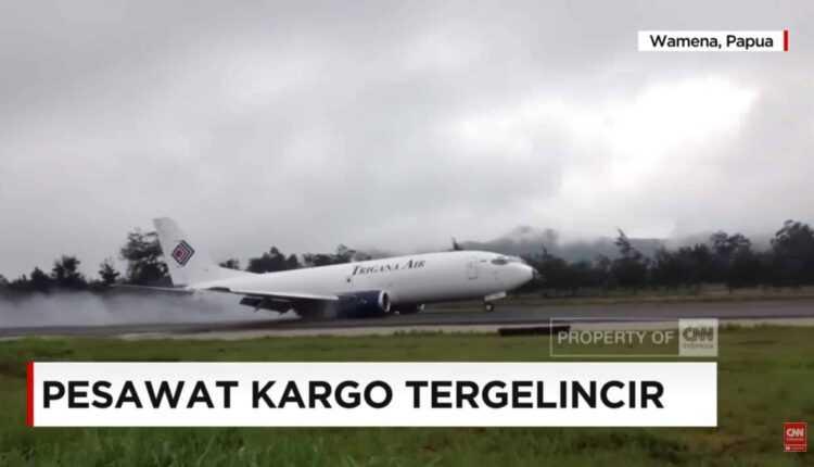 (Video) Aterizarea spectaculoasă a unui Boeing 737-300F Trigana Air