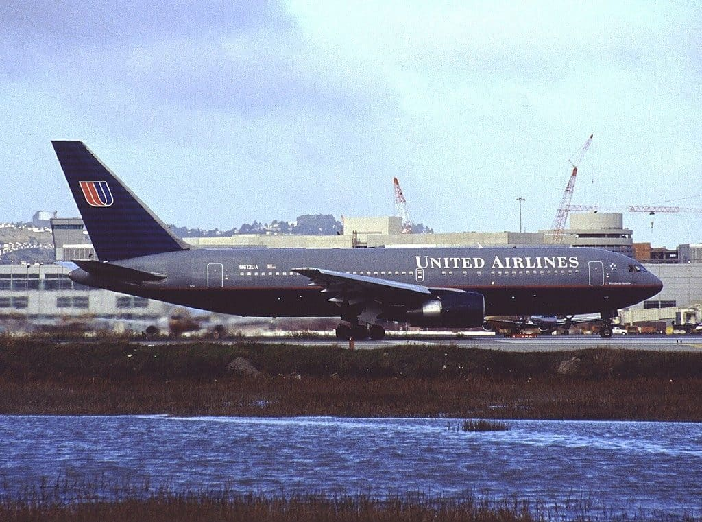 Boeing 767-200 (N612UA) United Airlines