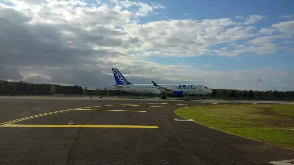 airBaltic'in cs300-bombardıman