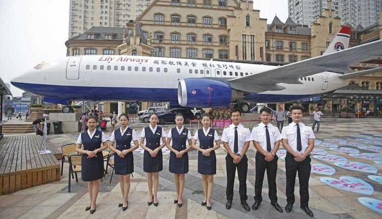 Restaurantul Lily Airways pregătit să-și primească clienții la bord
