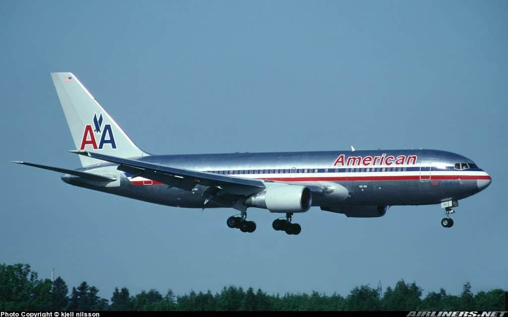BOEING 767-223/ER - AMERICAN AIRLINES