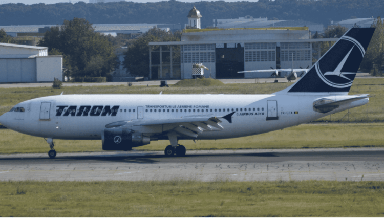 TAROM sărbătorește retragerea aeronavei Airbus A310 (YR-LCA)