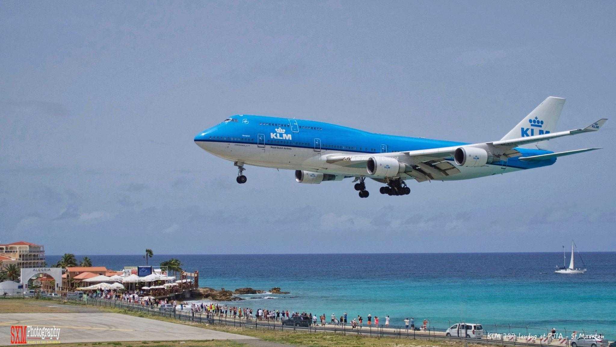 boeing-747-400-klm-sint-maarten-princess-juliana