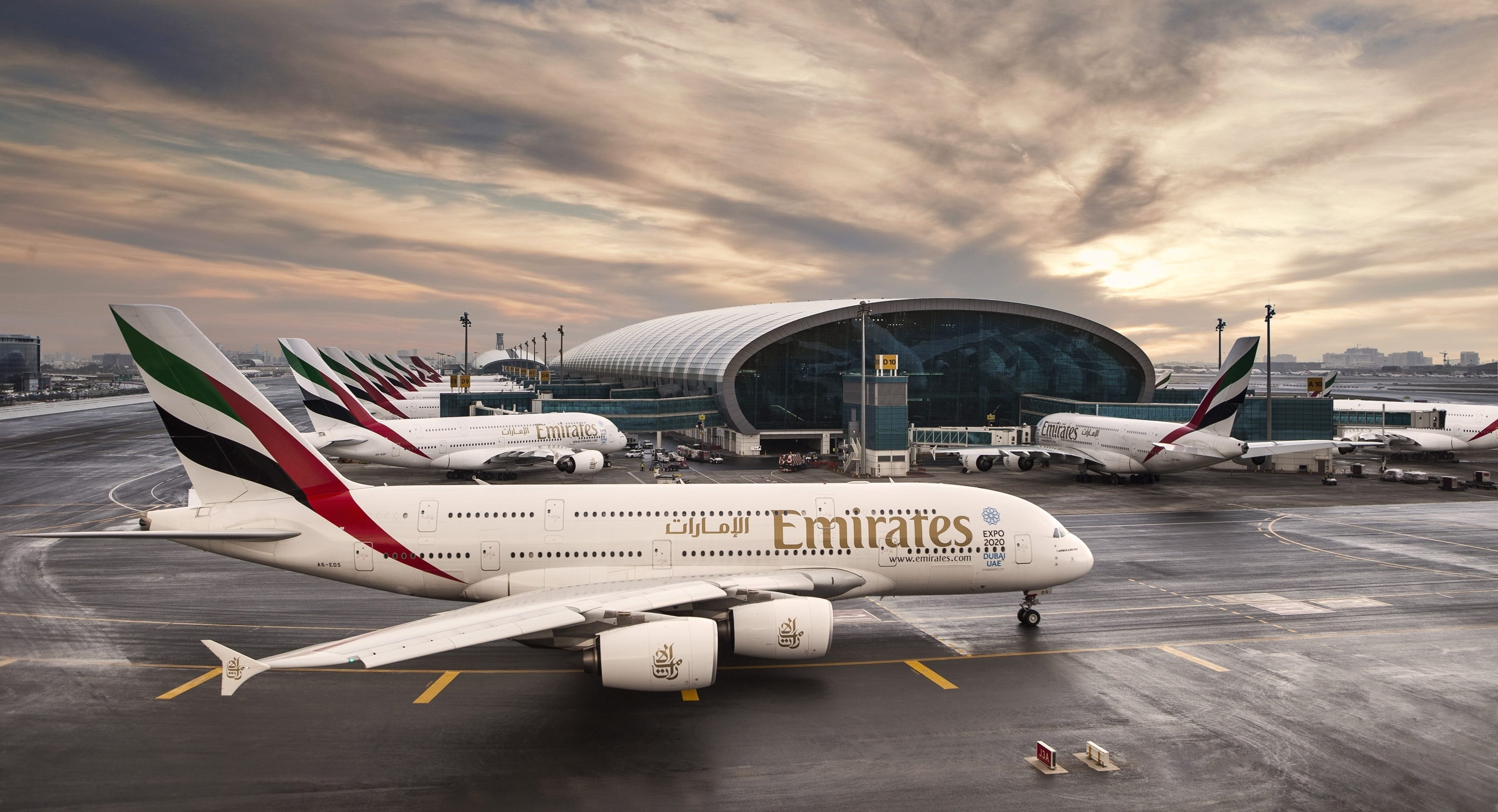 emirates-a380-terminal-dubai