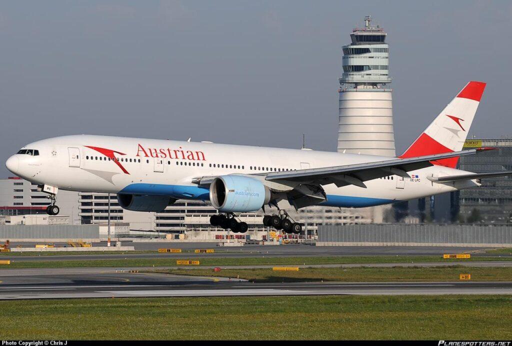 OE-LPC-австрийско-авиакомпаний-боинг-777-200er
