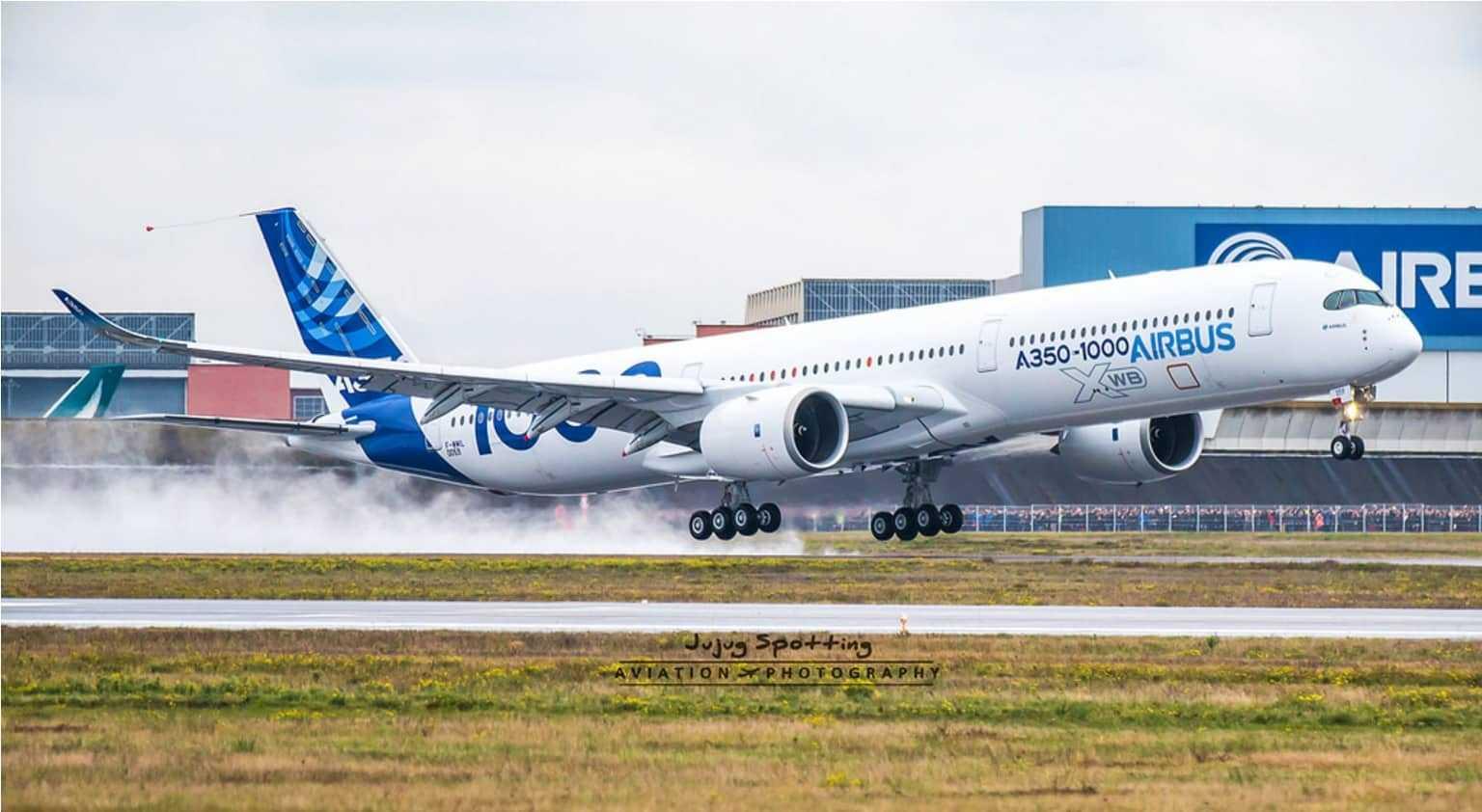 Airbus A350-1000 la decolare