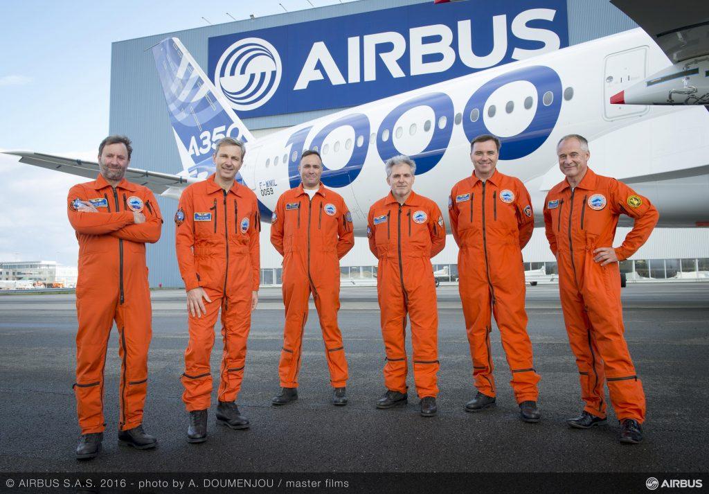 a350-1000_first_flight_crew