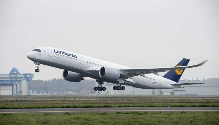 Airbus A350-900 Lufthansa la primul zbor