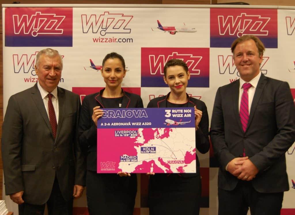 à deux aéronefs wizz air Craiova
