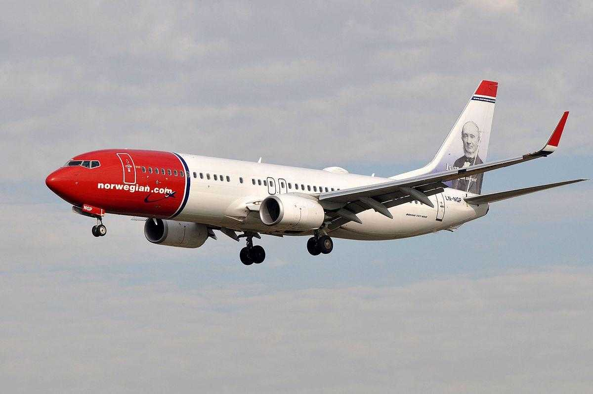 Boeing-737-800-Norwegian