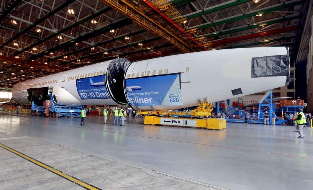 Boeing-787-10-Dreamliner-1