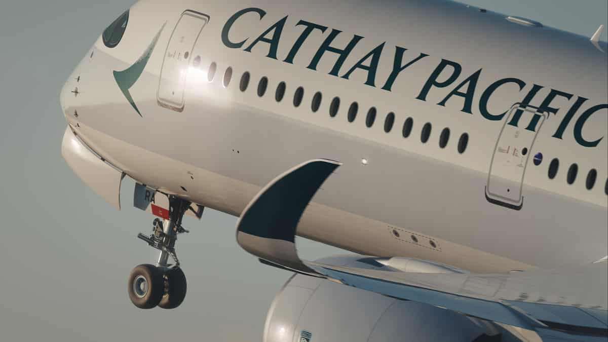 A350-900-Cathay-Pacific-Decolare