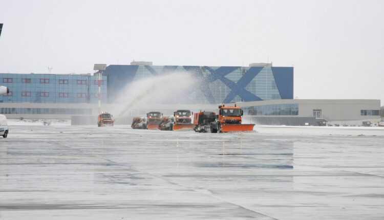 Trafic aerian normal la Aeroportul Henri Coanda București (12 ianuarie)