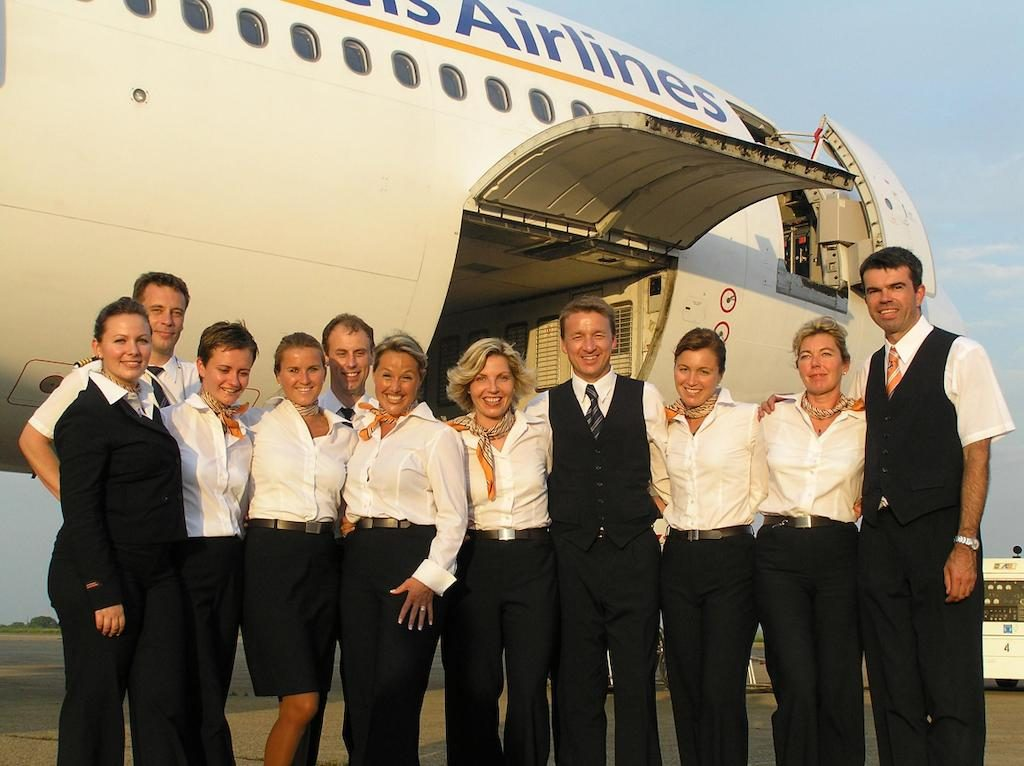 2005-SN-Brussels-Airlines-crew