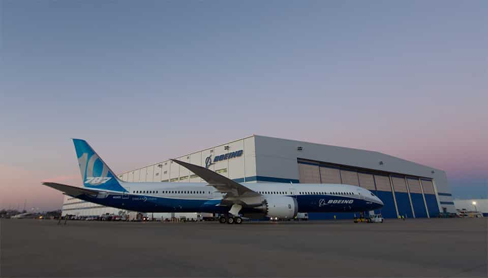Boeing-787-10-Dreamliner-rollout