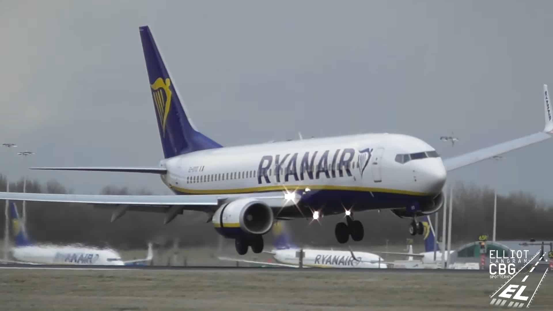 activare-reversoare-motor-boeing-737-ryanair