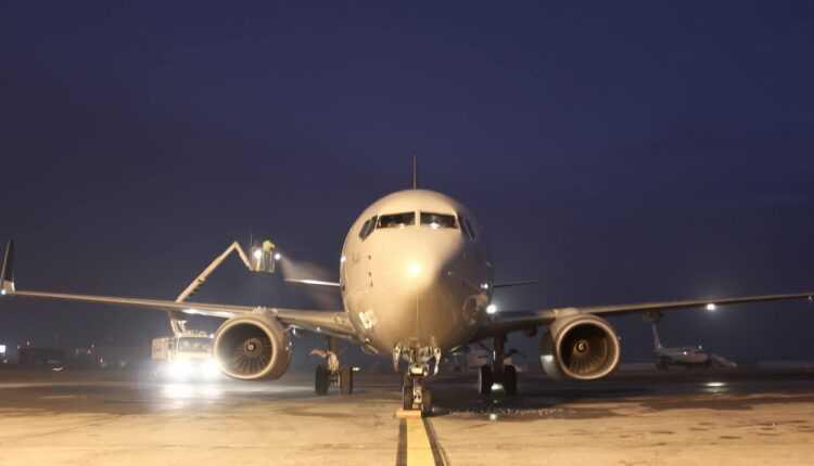 Trafic aerian normal la Aeroportul Henri Coanda București (8 februarie 2017)