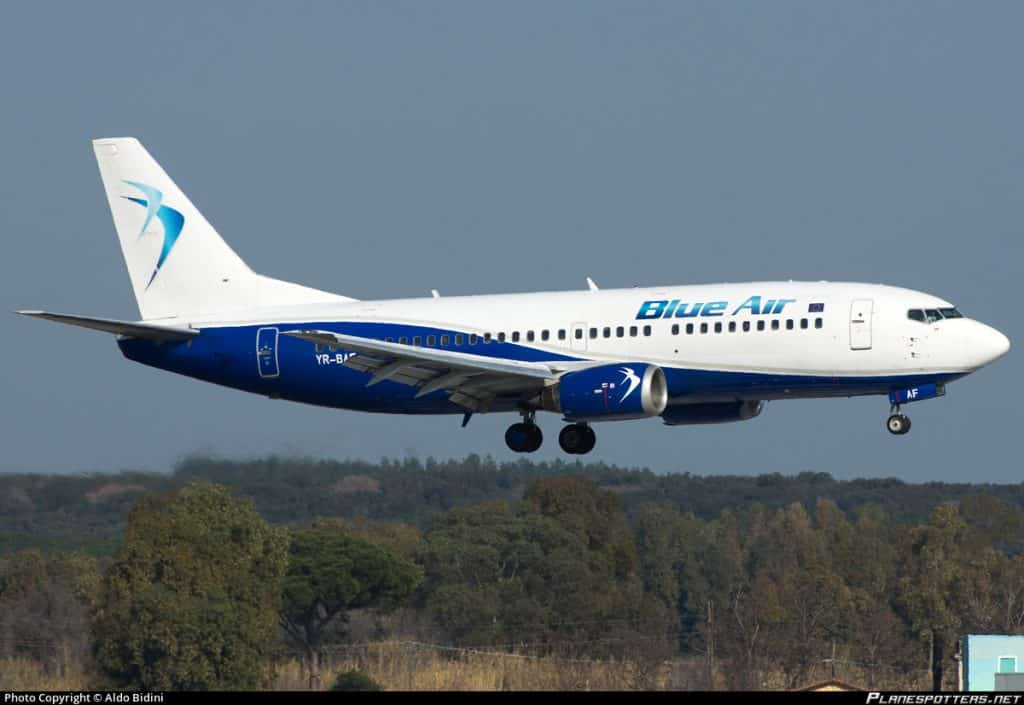 Boeing-737-300-Blue-Air