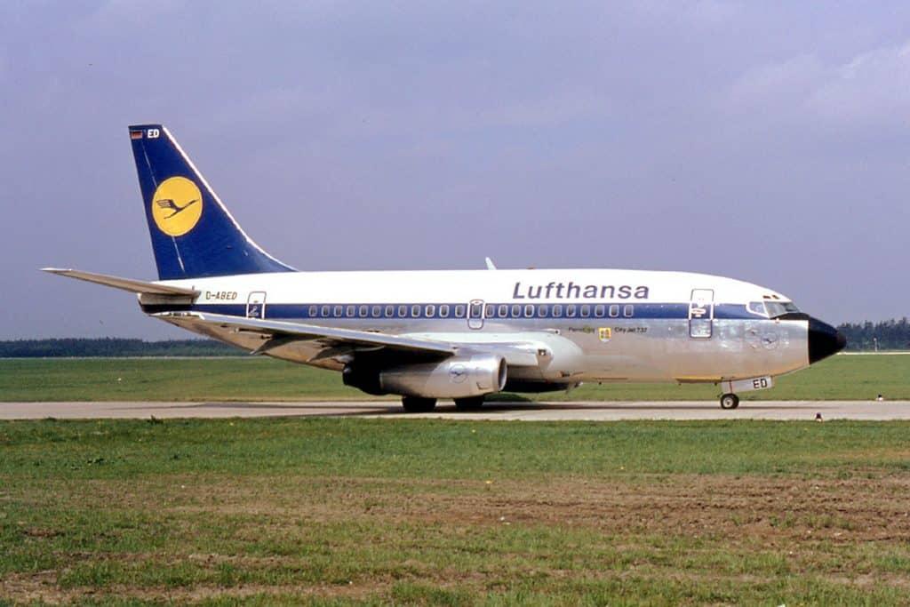 Lufthansa-737-100