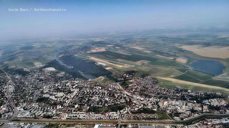 Aéroport de Iasi vu depuis le vol