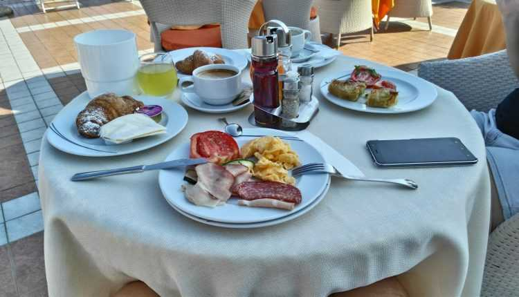 Residence-Piccolo, Parghelia-breakfast