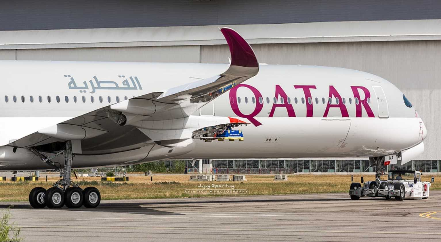 Airbus-A350-1000-Qatar-Airways-1