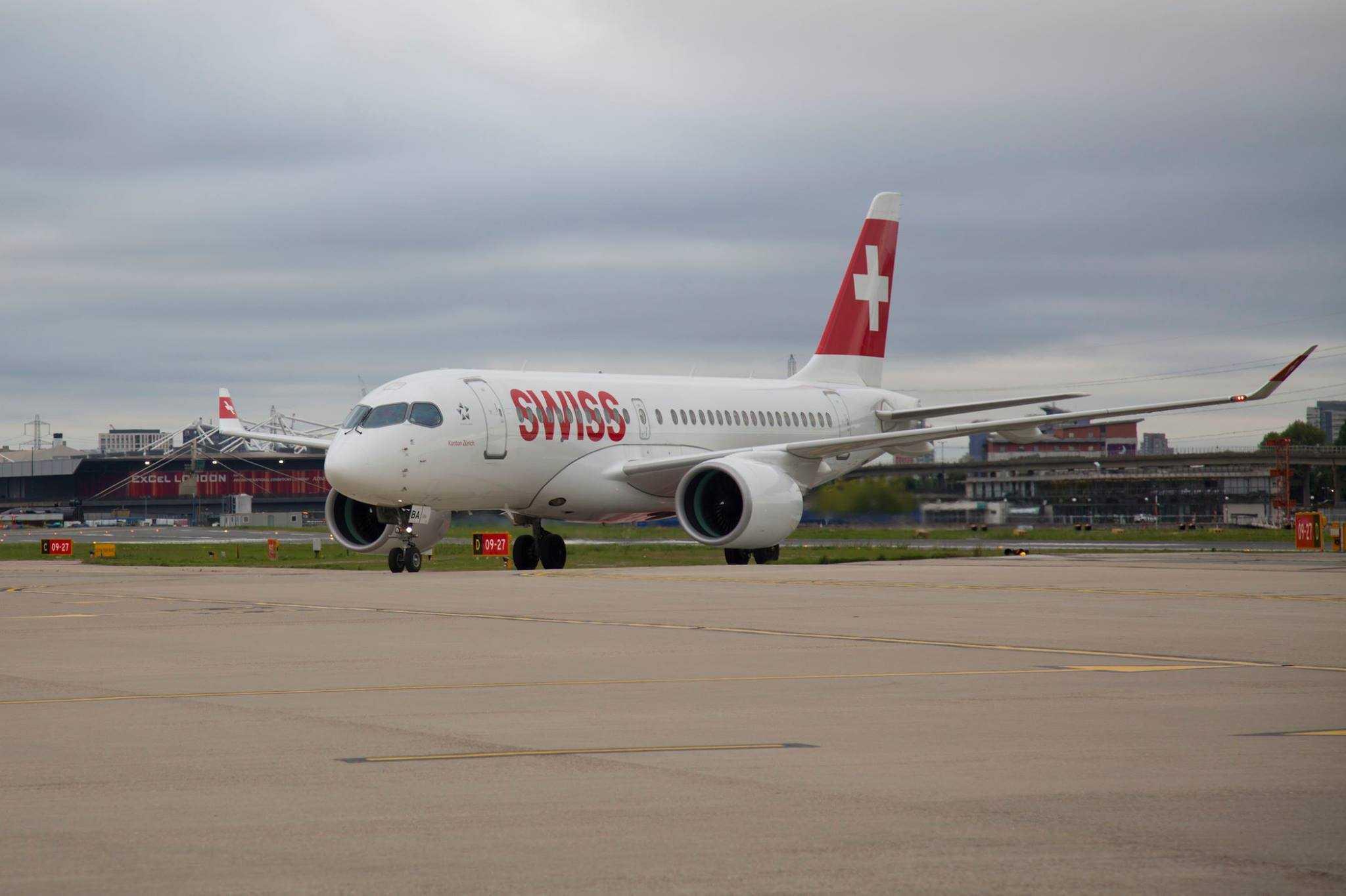 Bombardier-CS100-SWISS-Лондон-Сити