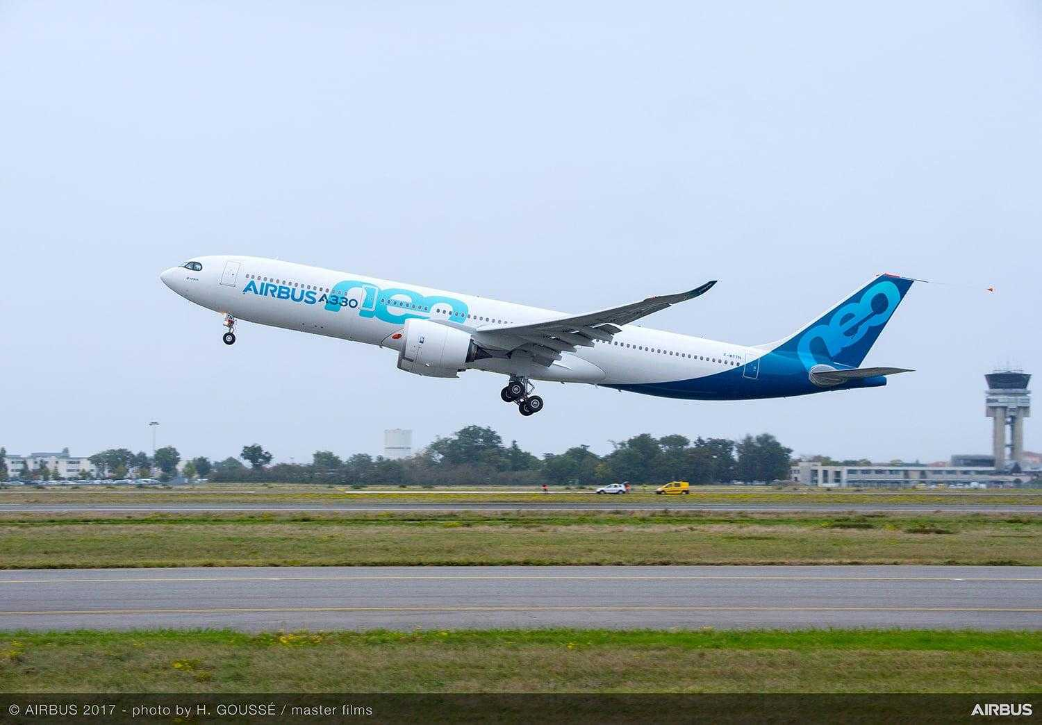A330neo-first-flight-take-off-005