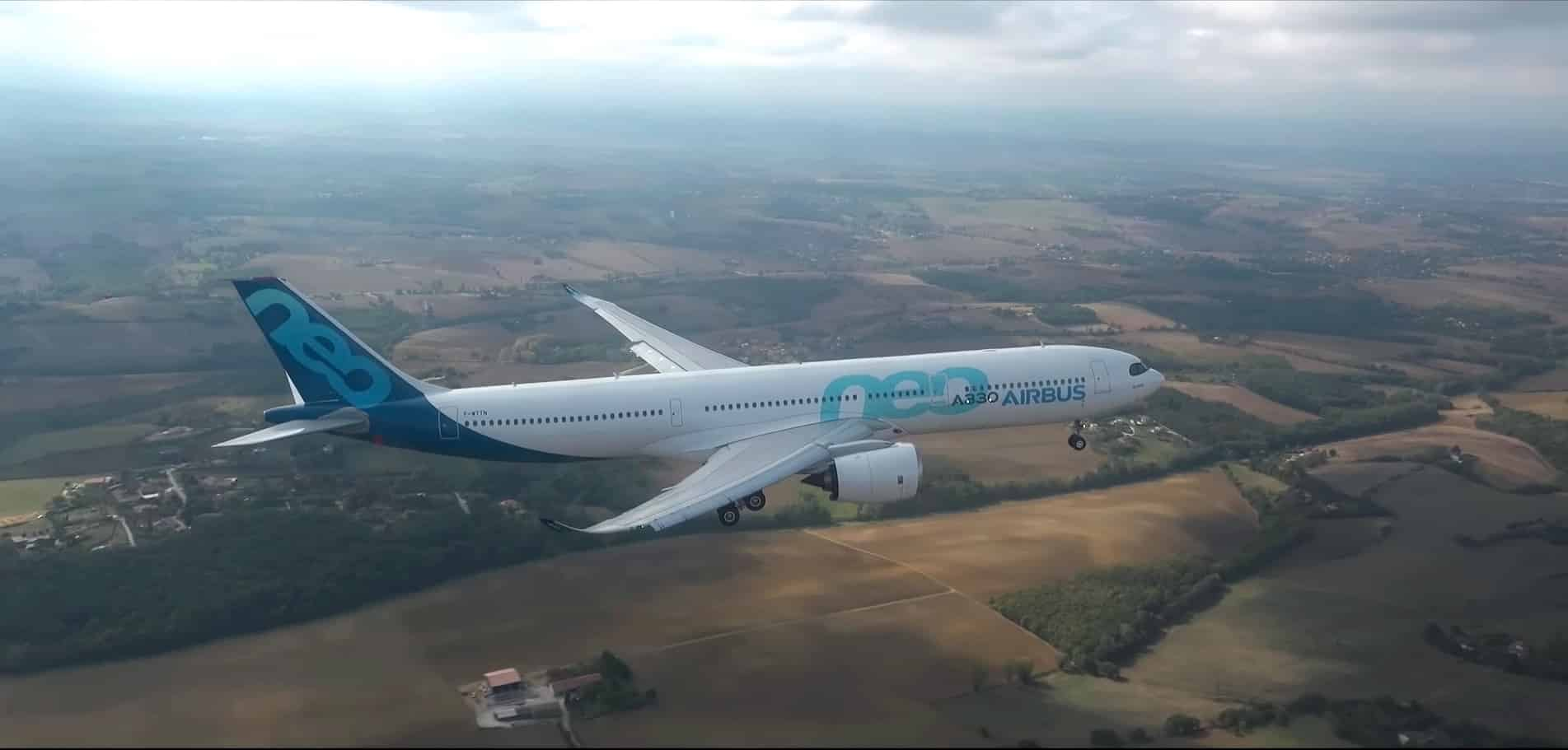 Airbus A330neo-first-flight-2