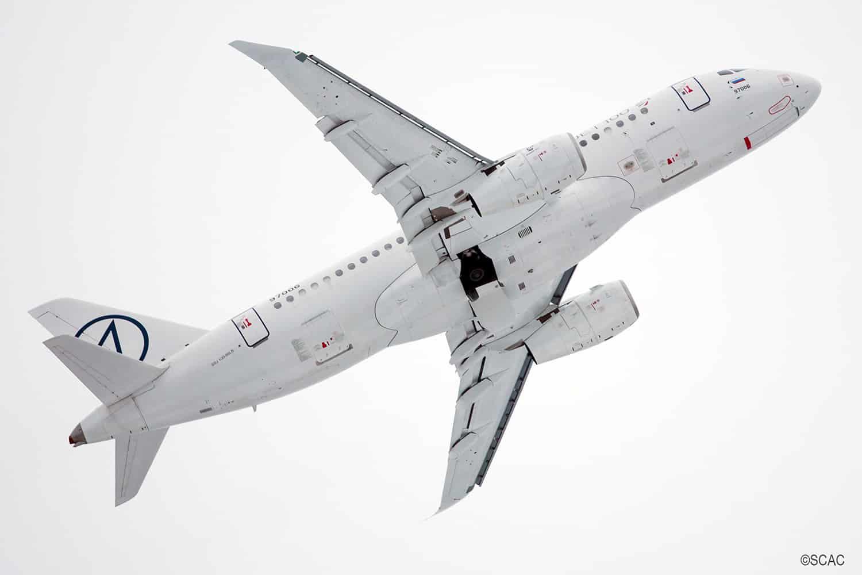 Sukhoi Superjet-100-2-winglets,