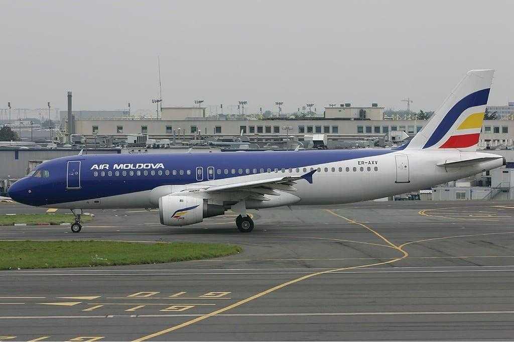 Airbus-A320-Air-Moldova.jpg