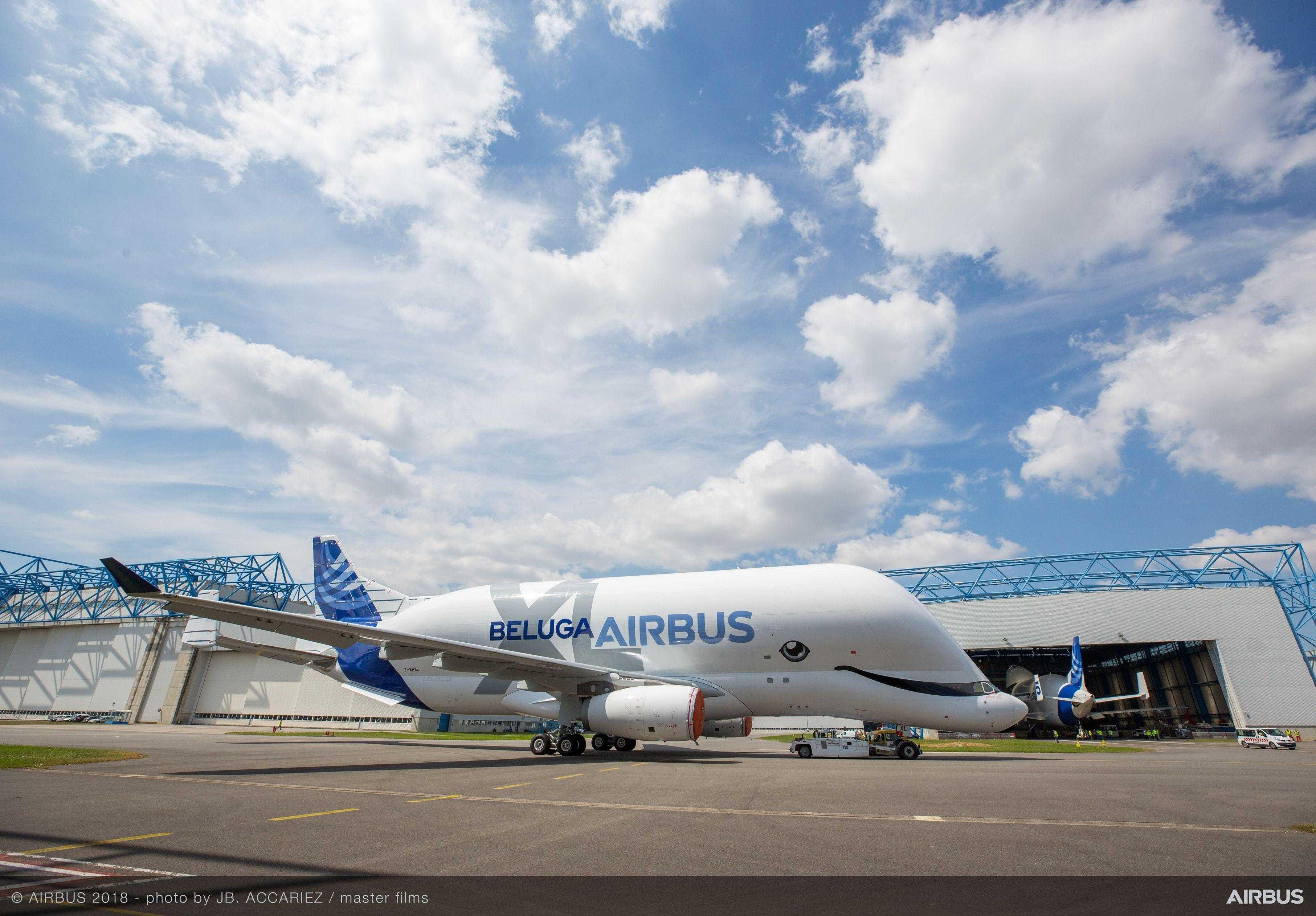 Airbus BelugaXL расписанные