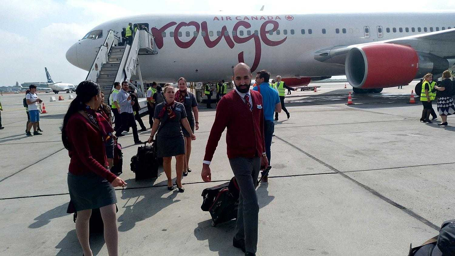 boeing-767-300er-air-canada-rouge-inaugurare