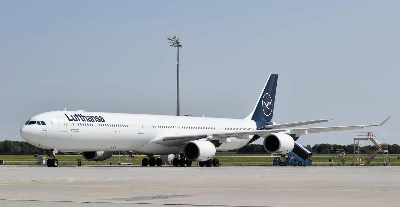 Airbus A340-600-yeni-üniforma-lufthansa