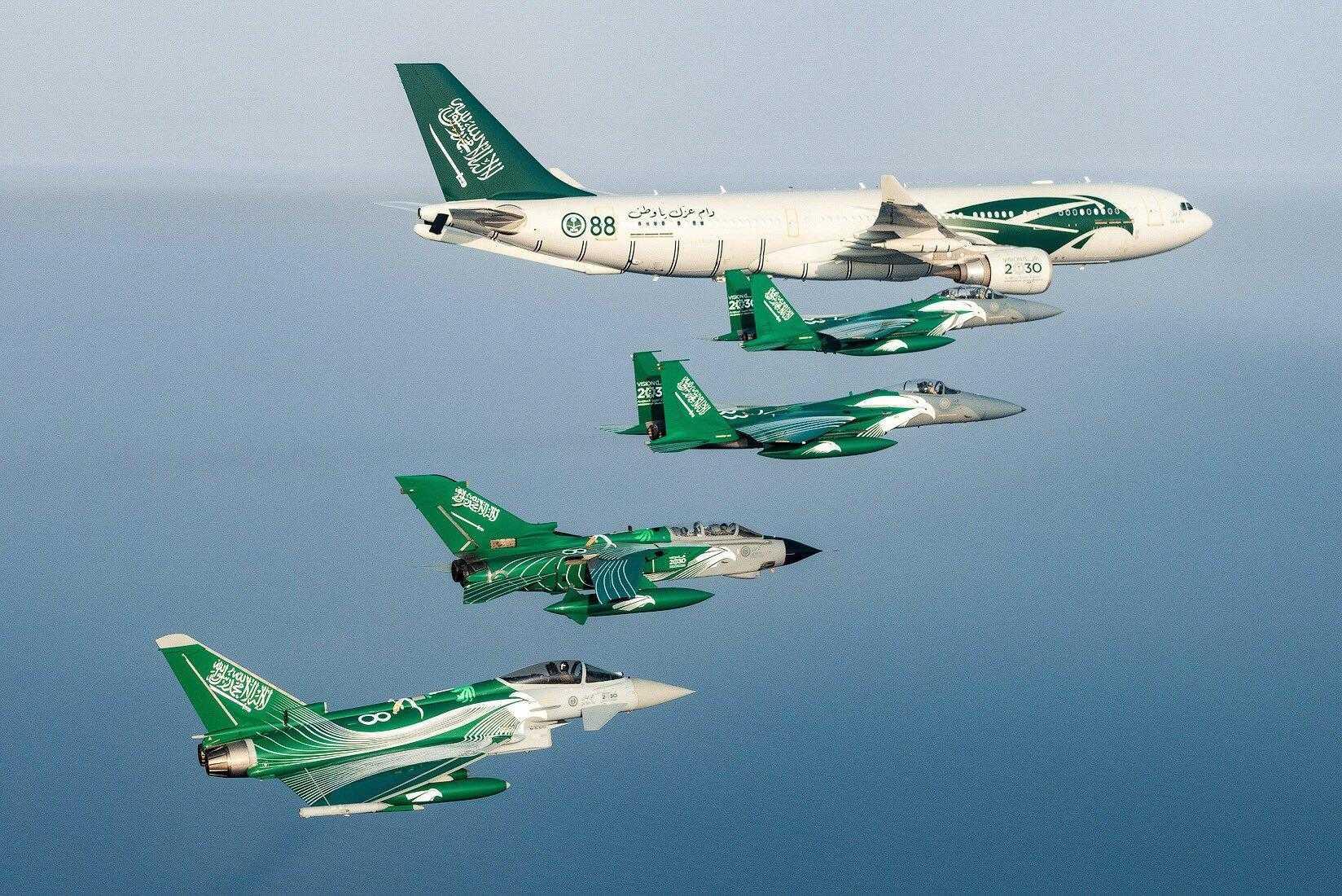 Airbus A330-RSAF MRTT-F15-acrobatica-format