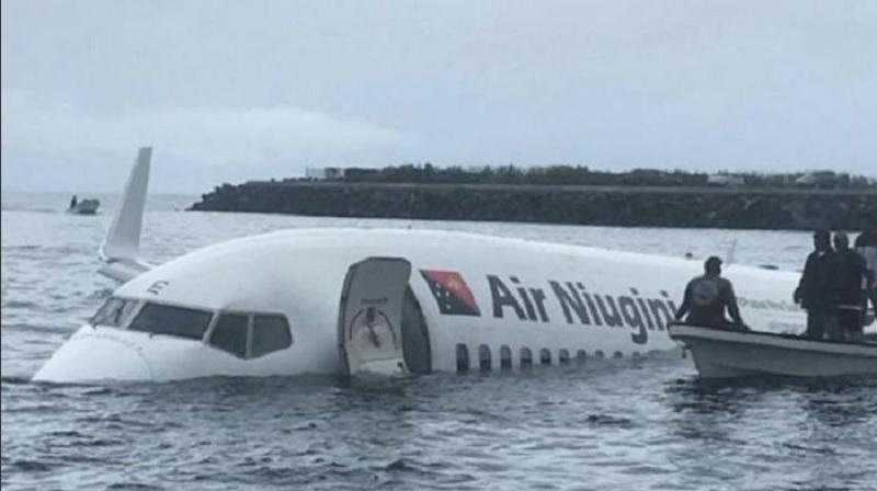 Boeing-737-800-accident-aviatic-Micronesia-2