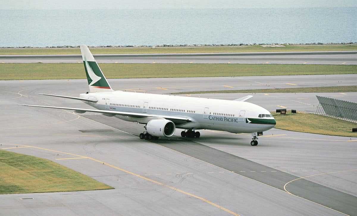 Boeing 777-200-Cathay Pacific-wa001