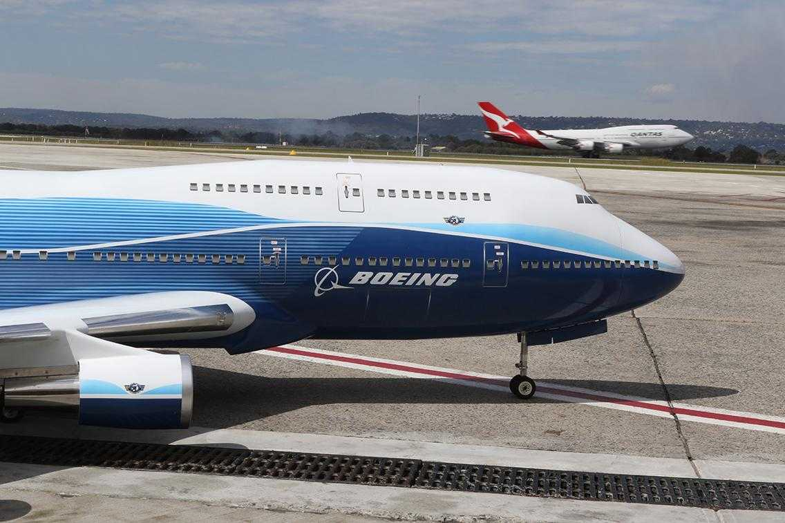 Boeing RC-747-747-3-Qantas