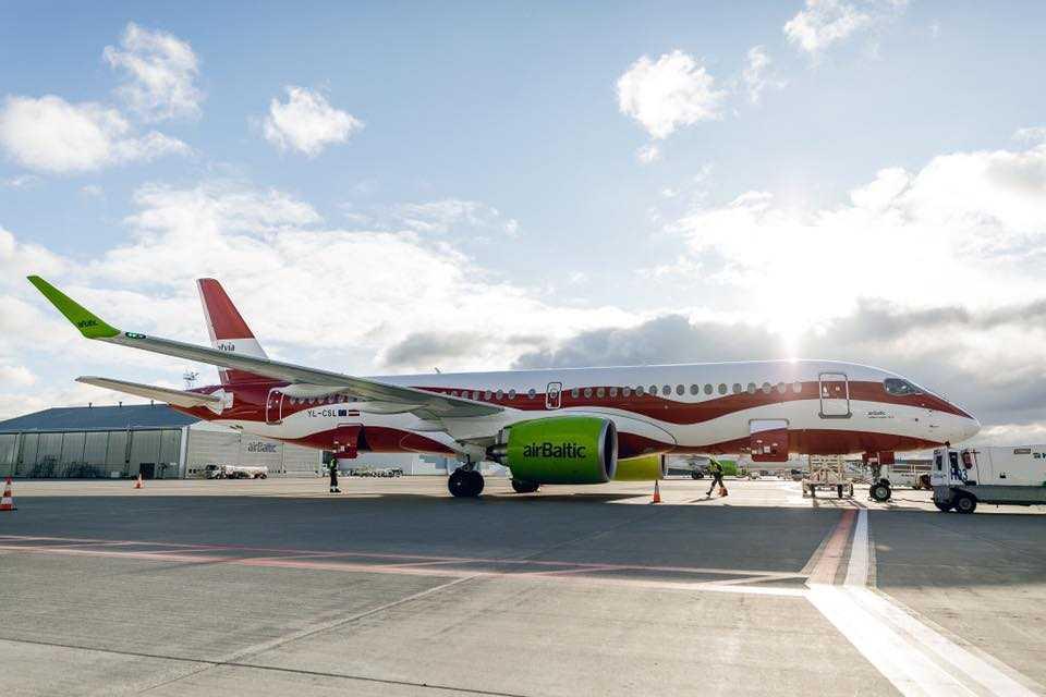 A220-300-airbaltic-livery-centenar-letonia.jpg