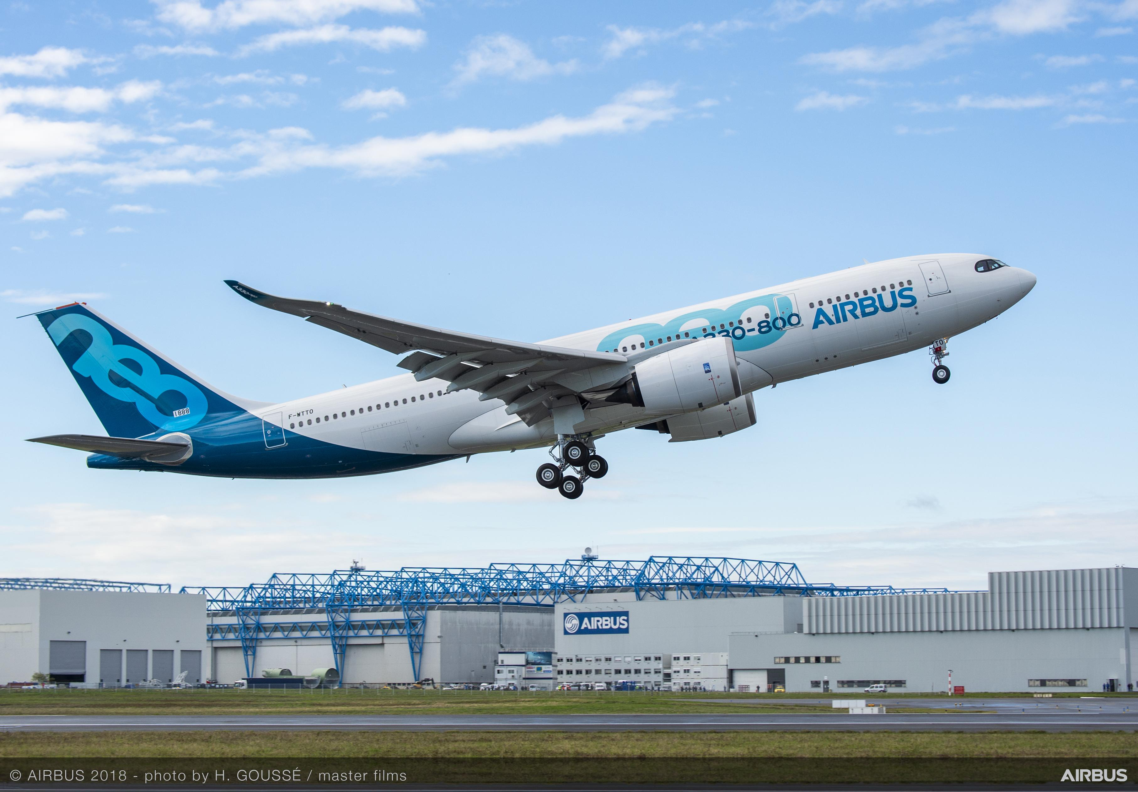 Airbus-A330-800-MSN1888-decolare.jpg