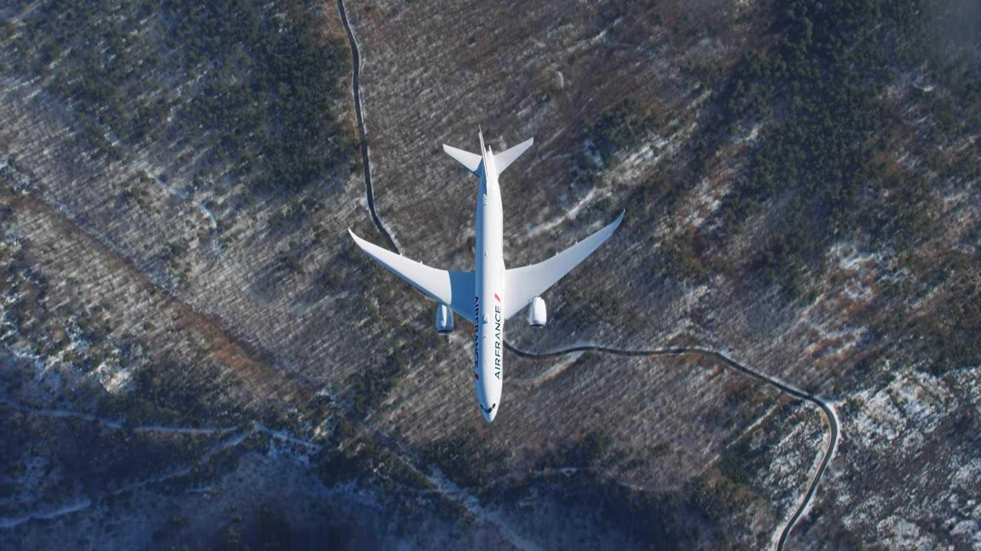 air-air boeing-787-Air-France-show-1