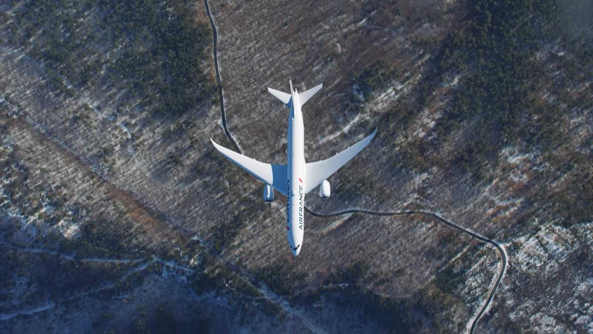 Luft-Luft-boeing-787-Air-France-show-1