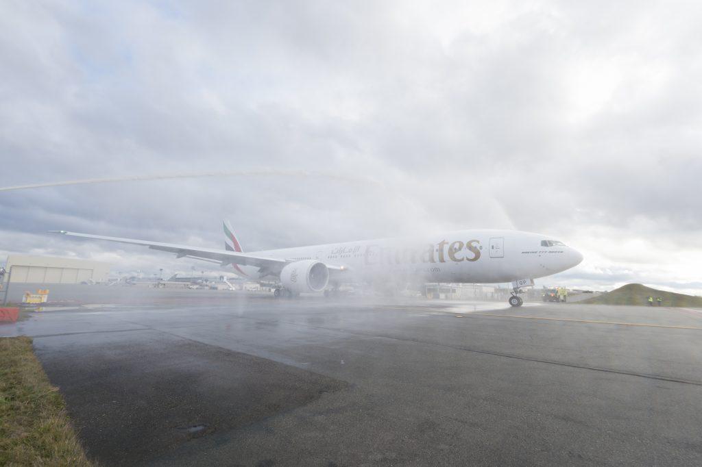 A6-EQP-boeing-777-300-2er-emirliklerini