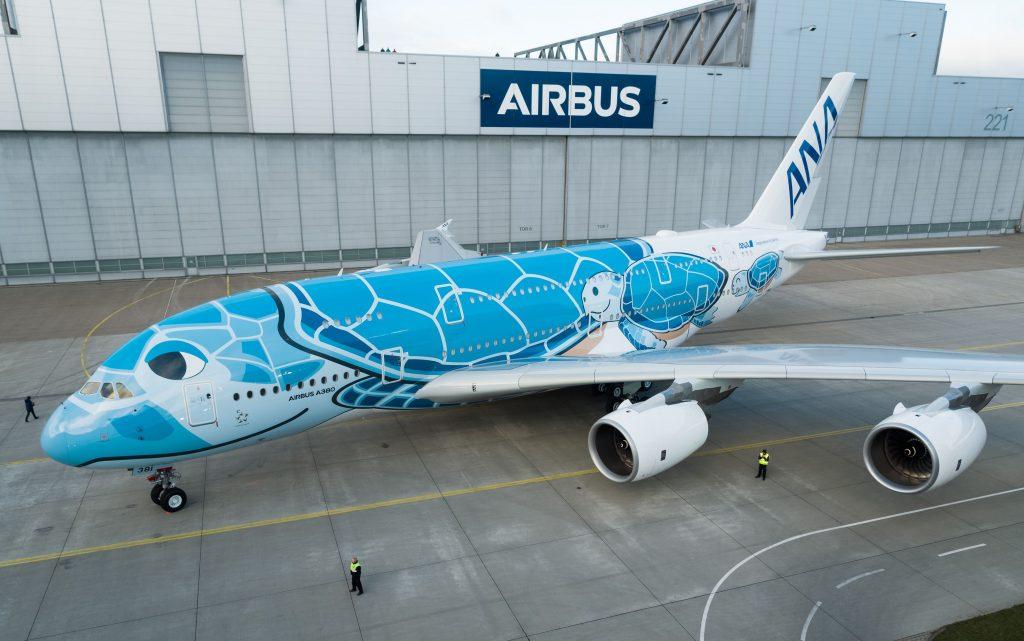 El primer Airbus a380-ana-pintado